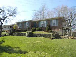 5306 St Gabriel Ln Louisville, KY 40291