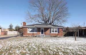 7493 Greenwood Manor Rd Louisville, KY 40258