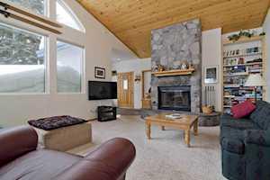 28 Aspen Ln Mammoth Lakes, CA 93546