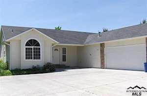 1785 Harmony Ct Mountain Home, ID 83647