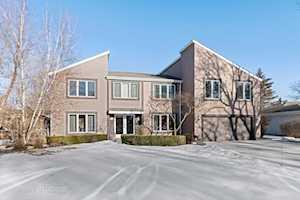 1320 Sprucewood Ln Deerfield, IL 60015