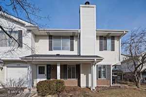 572 Willowcreek Ct #572 Clarendon Hills, IL 60514