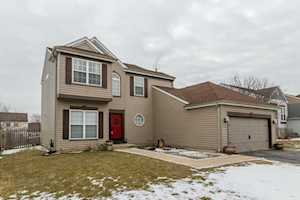 620 Anderson Dr Lake In The Hills, IL 60156
