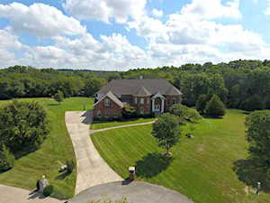 1221 Forest Trail Pl Louisville, KY 40245