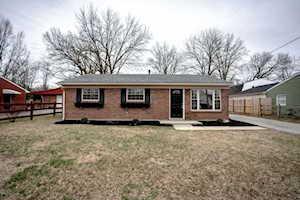 509 Prairie Dr Shepherdsville, KY 40165