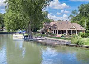 4444 Riverside Dr Crystal Lake, IL 60014