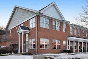 1 St Regis Ct Elmhurst, IL 60126