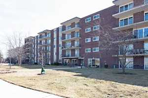5300 Walnut Ave #5C Downers Grove, IL 60515