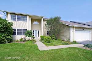 520 Newtown Dr Buffalo Grove, IL 60089