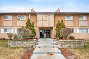 880 E Old Willow Rd #276 Prospect Heights, IL 60070