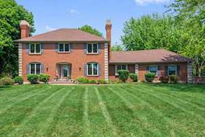8309 Lakeside Dr Downers Grove, IL 60516