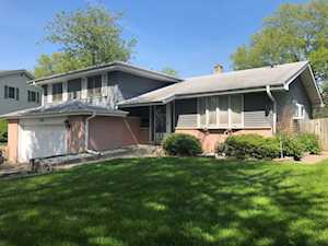 1633 Imperial Dr Glenview, IL 60026