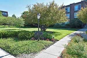 1260 N Western Ave #305 Lake Forest, IL 60045