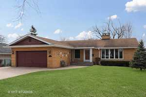 2225 Central Rd Glenview, IL 60025