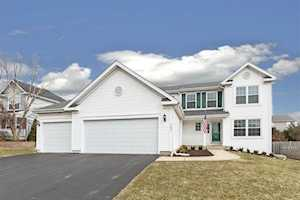 161 Winding Canyon Way Algonquin, IL 60102