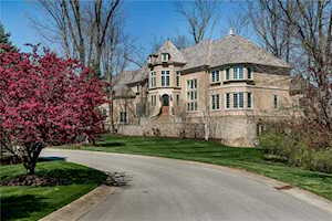 2990 Belle Maison Drive Zionsville, IN 46077