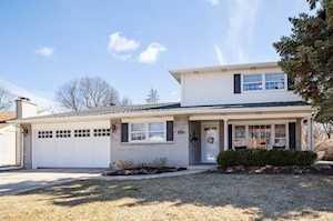 1331 S Fernandez Ave Arlington Heights, IL 60005