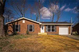 1714 Elmwood Drive Jeffersonville, IN 47129
