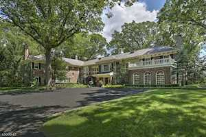 2 Oak Forest Ln Mendham Boro, NJ 07945