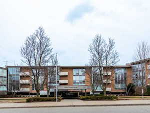 1301 N Western Ave #216 Lake Forest, IL 60045