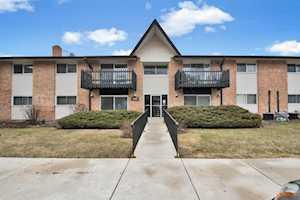 19B Kingery Quarter #208 Willowbrook, IL 60527