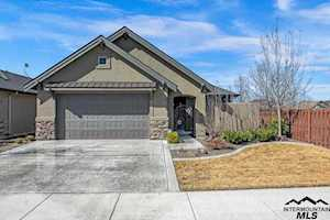 3365 S Island Fox Ave Eagle, ID 83616