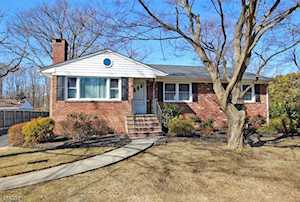 54 Littleton Rd Morris Plains Boro, NJ 07950