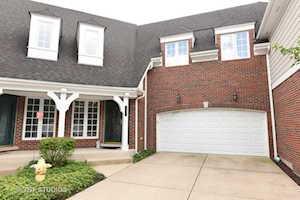 138 E Knighton Place Elmhurst, IL 60126