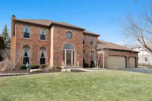 2797 Wedgewood Dr Naperville, IL 60565