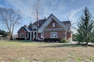 1805 Willow Bend Court Avon, IN 46123