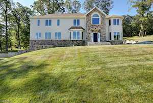 24 Beverly St Parsippany-Troy Hills Twp., NJ 07950