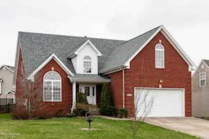6008 Sweetbay Dr Crestwood, KY 40014