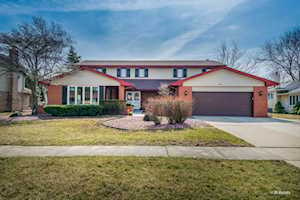 215 Rodgers Ct Willowbrook, IL 60527