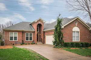 9829 Forest Village Ln Louisville, KY 40223