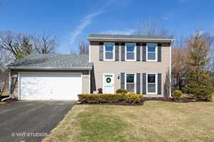 1330 N Parkview Terrace Algonquin, IL 60102