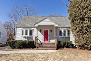 216 N Garfield Ave Mundelein, IL 60060
