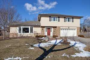 1840 Ellendale Dr Northbrook, IL 60062