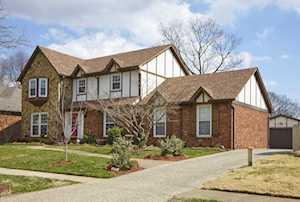 6814 Crossmoor Ln Louisville, KY 40222