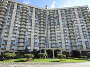 40 N Tower Rd #14C Oak Brook, IL 60523