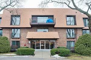 3900 Dundee Rd #203 Northbrook, IL 60062