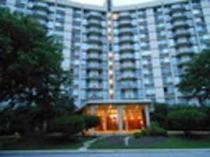 20 N Tower Rd #2F Oak Brook, IL 60523