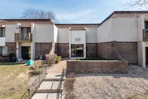 7323 Blackburn Ave #105 Downers Grove, IL 60516