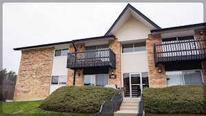2B Kingery Quarter #108 Willowbrook, IL 60527