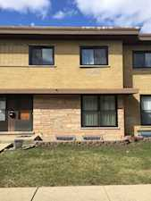 642 Maple Ct #642 Mount Prospect, IL 60056