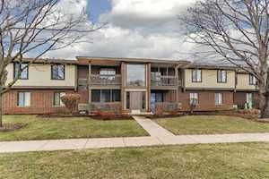 560 Somerset Ln #7 Crystal Lake, IL 60014