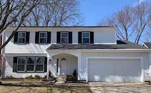302 Alexandria Dr Vernon Hills, IL 60061
