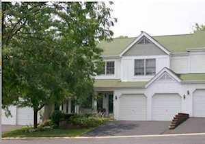 413 W Spring Ct Carpentersville, IL 60110