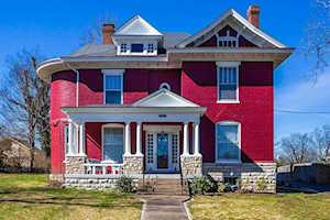 504 Beaumont Avenue Harrodsburg, KY 40330