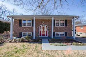5604 Whispering Hills Blvd Louisville, KY 40219
