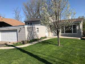 298 Indian Trl Lake In The Hills, IL 60156